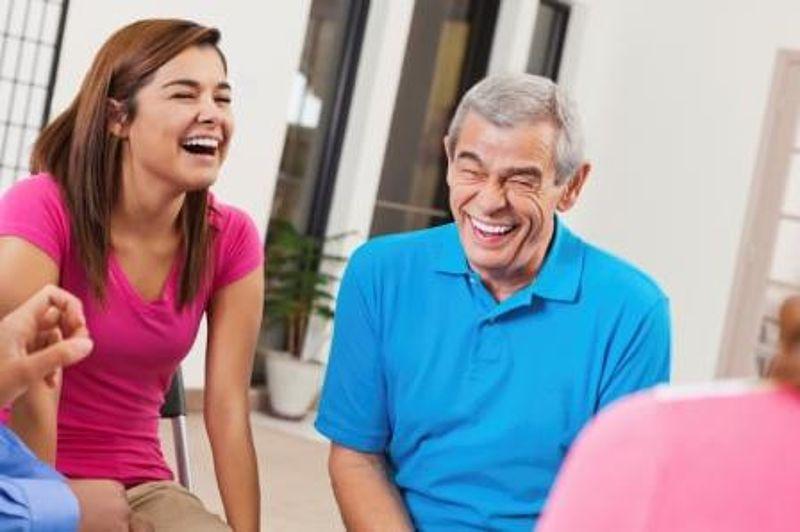 Junge frau älterer mann dating